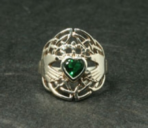RSS25-1127  Celtic Claddagh Ring